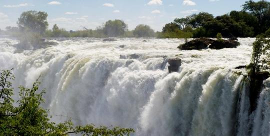 zimbabwe-vicfalls1